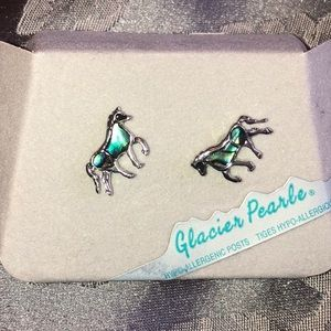 Jewelry - Glacier Pearl Horse Earrings